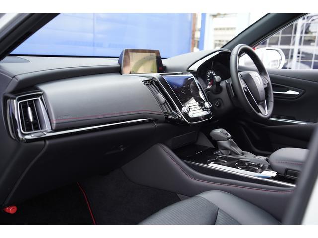 S スポーツスタイル SDナビ地デジ・バックカメラ・CD・DVD・ブルーレイ・ブルートゥース・USB・ステアヒーター・シートヒーター・ETC・Cセンサー・セーフティセンス・18AW・パドルシフト・LEDライト・フォグ(9枚目)
