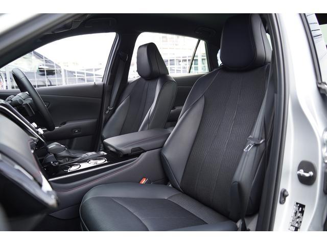 S スポーツスタイル SDナビ地デジ・バックカメラ・CD・DVD・ブルーレイ・ブルートゥース・USB・ステアヒーター・シートヒーター・ETC・Cセンサー・セーフティセンス・18AW・パドルシフト・LEDライト・フォグ(10枚目)