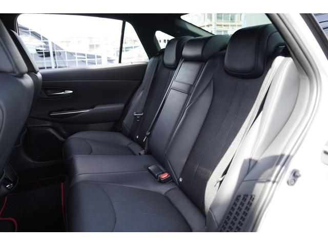 S スポーツスタイル SDナビ地デジ・バックカメラ・CD・DVD・ブルーレイ・ブルートゥース・USB・ステアヒーター・シートヒーター・ETC・Cセンサー・セーフティセンス・18AW・パドルシフト・LEDライト・フォグ(12枚目)