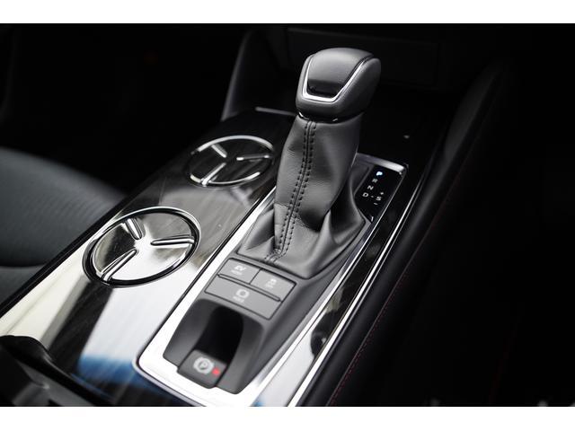 S スポーツスタイル SDナビ地デジ・バックカメラ・CD・DVD・ブルーレイ・ブルートゥース・USB・ステアヒーター・シートヒーター・ETC・Cセンサー・セーフティセンス・18AW・パドルシフト・LEDライト・フォグ(17枚目)