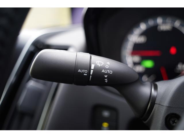 S スポーツスタイル SDナビ地デジ・バックカメラ・CD・DVD・ブルーレイ・ブルートゥース・USB・ステアヒーター・シートヒーター・ETC・Cセンサー・セーフティセンス・18AW・パドルシフト・LEDライト・フォグ(23枚目)