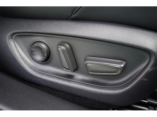 S スポーツスタイル SDナビ地デジ・バックカメラ・CD・DVD・ブルーレイ・ブルートゥース・USB・ステアヒーター・シートヒーター・ETC・Cセンサー・セーフティセンス・18AW・パドルシフト・LEDライト・フォグ(30枚目)