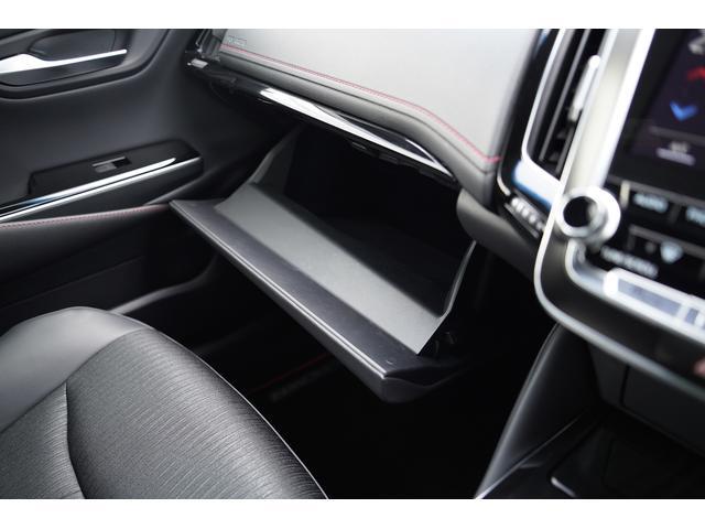 S スポーツスタイル SDナビ地デジ・バックカメラ・CD・DVD・ブルーレイ・ブルートゥース・USB・ステアヒーター・シートヒーター・ETC・Cセンサー・セーフティセンス・18AW・パドルシフト・LEDライト・フォグ(32枚目)