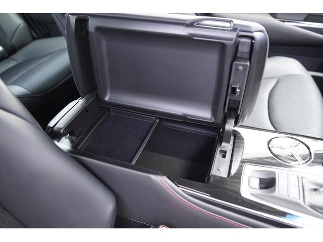 S スポーツスタイル SDナビ地デジ・バックカメラ・CD・DVD・ブルーレイ・ブルートゥース・USB・ステアヒーター・シートヒーター・ETC・Cセンサー・セーフティセンス・18AW・パドルシフト・LEDライト・フォグ(34枚目)