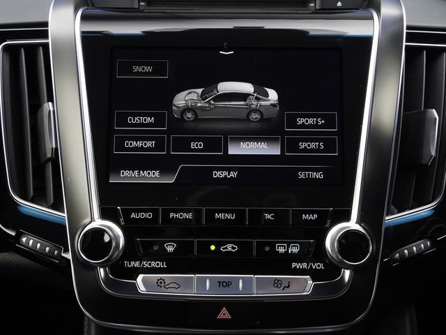 RSアドバンス SDナビ地デジ・バックカメラ・CD・DVD・ブルーレイ・ブルートゥース・USB・黒革・エアシート・レーダークルーズ・モデリスタエアロ・LTA・BSM・ETC・ドラレコ・3眼LED・18アルミ(19枚目)