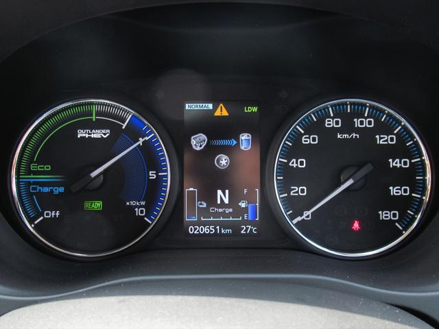 Gプラスパッケージ 後期・SDナビ地デジ・全方位カメラ・CD・DVDビデオ・ブルートゥース・USB・パドルシフト・レーダークルーズ・LDW・18AW・Cセンサー・パワーゲート・AC100・LEDライト・シートヒーター(22枚目)