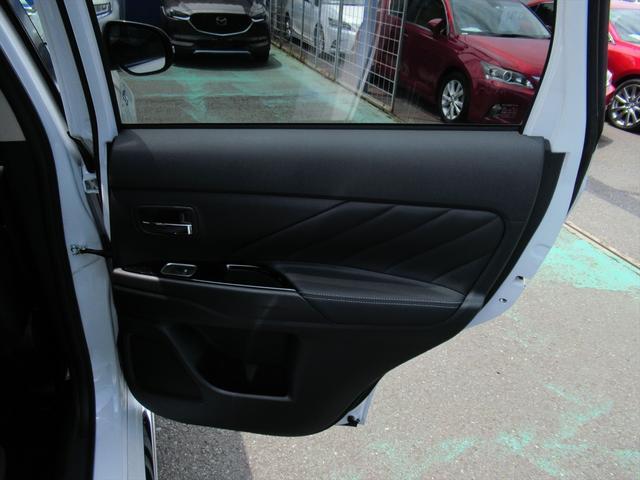 Gプラスパッケージ 後期・SDナビ地デジ・全方位カメラ・CD・DVDビデオ・ブルートゥース・USB・パドルシフト・レーダークルーズ・LDW・18AW・Cセンサー・パワーゲート・AC100・LEDライト・シートヒーター(38枚目)