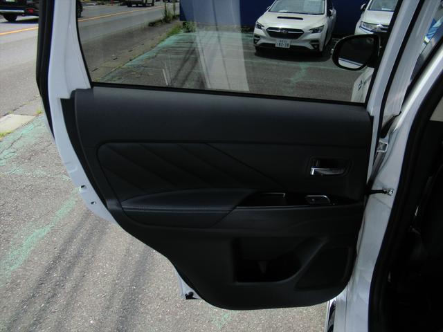 Gプラスパッケージ 後期・SDナビ地デジ・全方位カメラ・CD・DVDビデオ・ブルートゥース・USB・パドルシフト・レーダークルーズ・LDW・18AW・Cセンサー・パワーゲート・AC100・LEDライト・シートヒーター(39枚目)