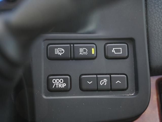 Fバージョン HDDナビ地デジ・全方位カメラ・CD・DVDビデオ・ミュージックサーバー・USB・ブルートゥース・黒革・エアシート・プリクラッシュ・ウッドコンビステア・ステアヒーター・ETC・17アルミ・Cセンサー(25枚目)