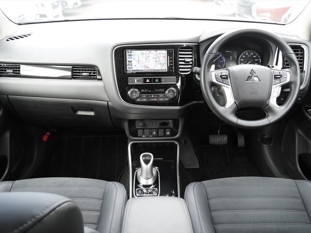 Gリミテッドエディション 後期・SDナビ地デジ・CD・DVDビデオ・ブルートゥース・コーナーセンサー・シートヒーター・ステアヒーター・AC100V・レーダークルーズ・LDW・18アルミ・LEDライト・フォグ・スマートキー(4枚目)