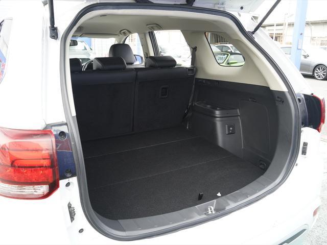 Gリミテッドエディション 後期・SDナビ地デジ・CD・DVDビデオ・ブルートゥース・コーナーセンサー・シートヒーター・ステアヒーター・AC100V・レーダークルーズ・LDW・18アルミ・LEDライト・フォグ・スマートキー(9枚目)