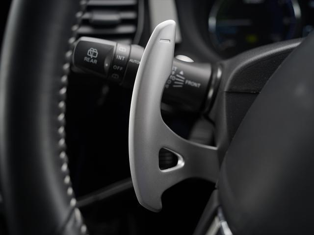 Gリミテッドエディション 後期・SDナビ地デジ・CD・DVDビデオ・ブルートゥース・コーナーセンサー・シートヒーター・ステアヒーター・AC100V・レーダークルーズ・LDW・18アルミ・LEDライト・フォグ・スマートキー(21枚目)