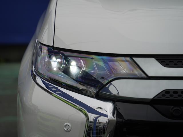 Gリミテッドエディション 後期・SDナビ地デジ・CD・DVDビデオ・ブルートゥース・コーナーセンサー・シートヒーター・ステアヒーター・AC100V・レーダークルーズ・LDW・18アルミ・LEDライト・フォグ・スマートキー(47枚目)