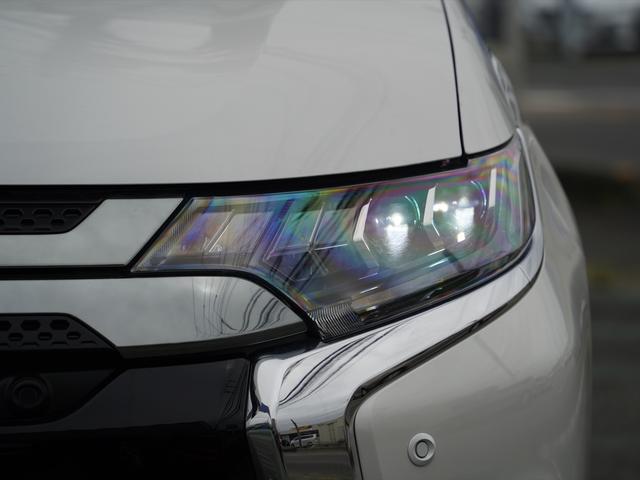 Gリミテッドエディション 後期・SDナビ地デジ・CD・DVDビデオ・ブルートゥース・コーナーセンサー・シートヒーター・ステアヒーター・AC100V・レーダークルーズ・LDW・18アルミ・LEDライト・フォグ・スマートキー(48枚目)