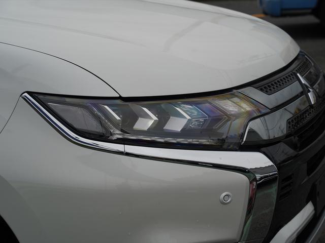 Gリミテッドエディション 後期・SDナビ地デジ・CD・DVDビデオ・ブルートゥース・コーナーセンサー・シートヒーター・ステアヒーター・AC100V・レーダークルーズ・LDW・18アルミ・LEDライト・フォグ・スマートキー(49枚目)
