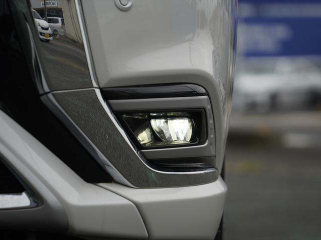 Gリミテッドエディション 後期・SDナビ地デジ・CD・DVDビデオ・ブルートゥース・コーナーセンサー・シートヒーター・ステアヒーター・AC100V・レーダークルーズ・LDW・18アルミ・LEDライト・フォグ・スマートキー(52枚目)