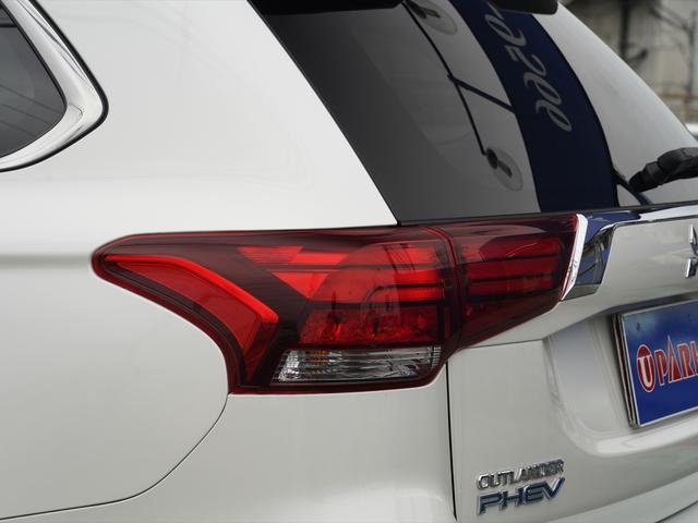 Gリミテッドエディション 後期・SDナビ地デジ・CD・DVDビデオ・ブルートゥース・コーナーセンサー・シートヒーター・ステアヒーター・AC100V・レーダークルーズ・LDW・18アルミ・LEDライト・フォグ・スマートキー(55枚目)
