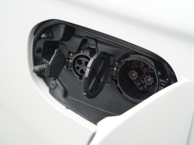 Gリミテッドエディション 後期・SDナビ地デジ・CD・DVDビデオ・ブルートゥース・コーナーセンサー・シートヒーター・ステアヒーター・AC100V・レーダークルーズ・LDW・18アルミ・LEDライト・フォグ・スマートキー(59枚目)