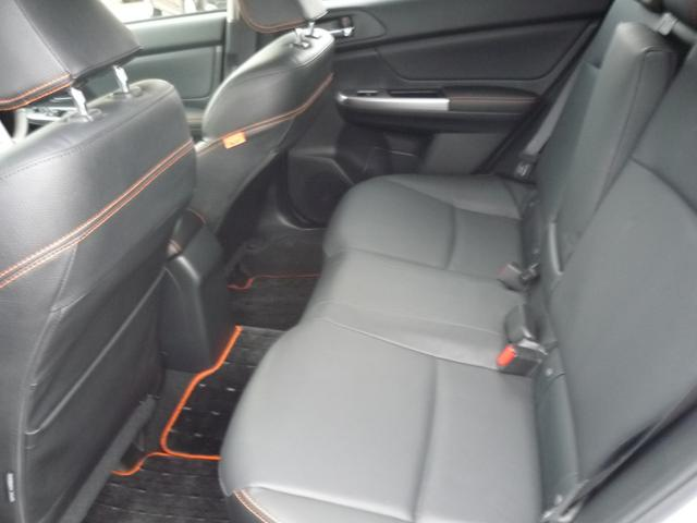 スバル インプレッサXV 2.0i-L アイサイト ブラックレザーS 新車保証書付き