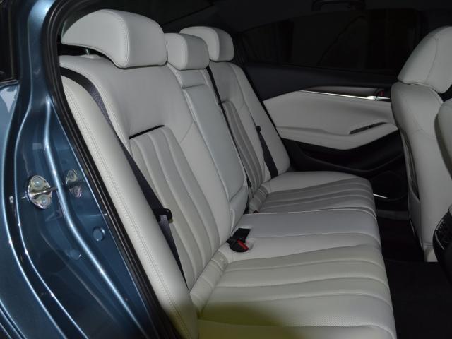 2.2 XD Lパッケージ ディーゼルターボ 4WD 白革 BOSE(8枚目)