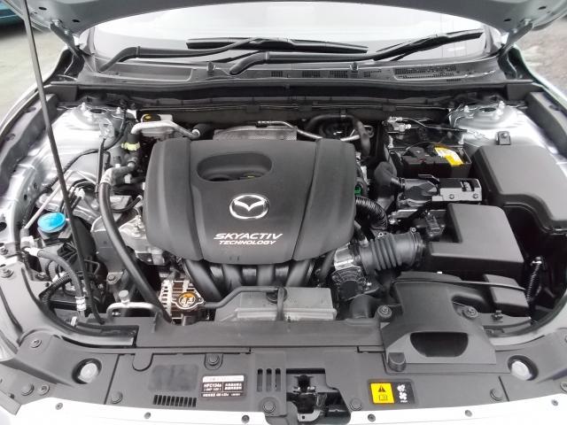新世代高効率直噴ガソリンエンジン、SKYACTIV−G1.5搭載♪もちろん経済的なi−STOP付き♪全車安心の点検整備&マツダ全国保証付きです♪