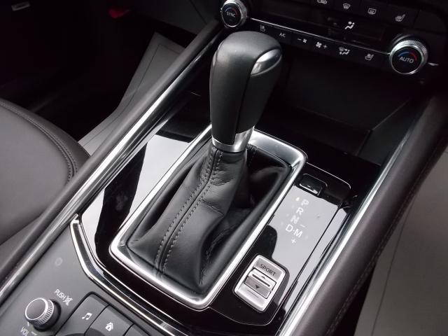 スカイアクティブドライブ(6速AT)搭載♪滑らかな加速、スムーズな変速、ダイレクト感のあるシフトフィールという、従来の全てのトランスミッションのメリットを集約しました♪マニュアルモードも付いてますヨ♪