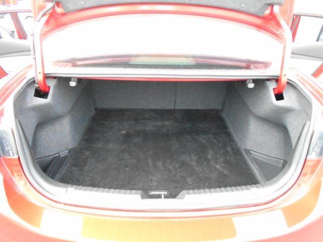 XD Lパッケージ 2WD Mナビ 18AW ワンオーナー (15枚目)