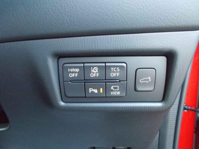 車線逸脱センサーを装備!車線のはみ出しを事前にお知らせ!ハンドルアシスト機能で運転をサポート!パワーハッチ装備でボタン一つで簡単開閉!