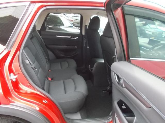 後部座面が高いのアイポイントがドライバー目線で視界を確認できます☆みんながドライバーになった気分を楽しめます!