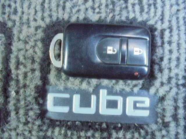 鍵ボタンタッチでロック開閉できる便利なキーレス☆