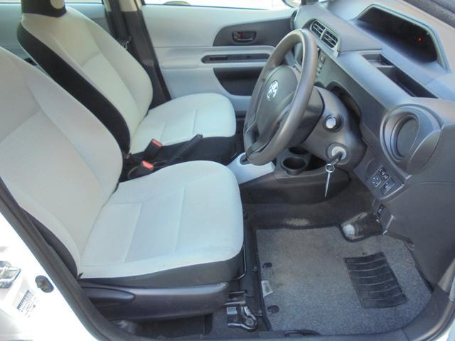 運転席シート足元の広さとバランスのとれたシートで快適!