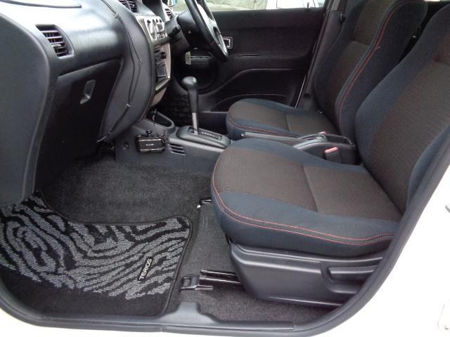 カスタム メモリアルエディション 4WD ETC ターボ ポータブルナビ アルミホイール ローダウン ワンセグTV キーレス CD 運転席エアバッグ 助手席エアバッグ(11枚目)