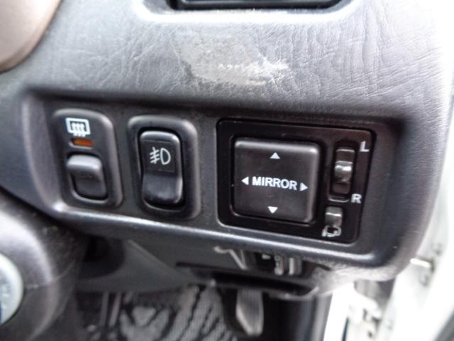カスタム メモリアルエディション 4WD ETC ターボ ポータブルナビ アルミホイール ローダウン ワンセグTV キーレス CD 運転席エアバッグ 助手席エアバッグ(18枚目)