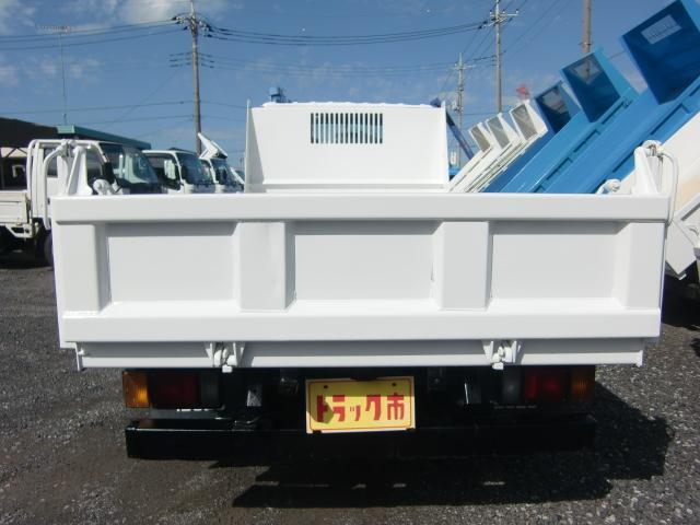 いすゞ エルフトラック 3トン 全低床 強化ダンプ 3方開き