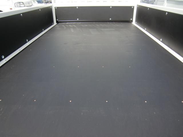 三菱ふそう キャンター 積載2トン 全低床 標準