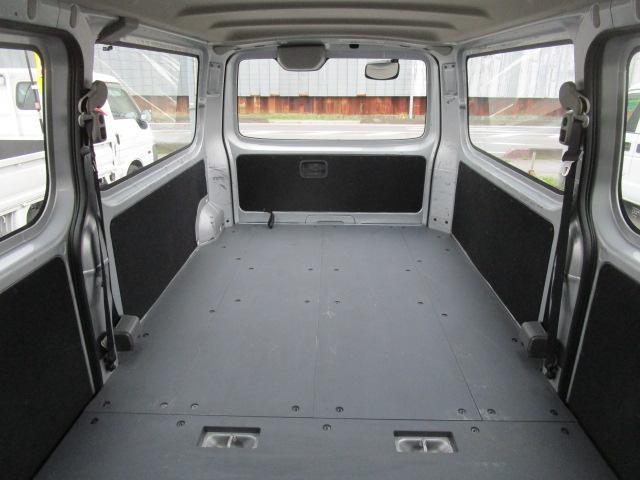 ロングDX オートマ 5ドア 平床 1000Kg積載(17枚目)