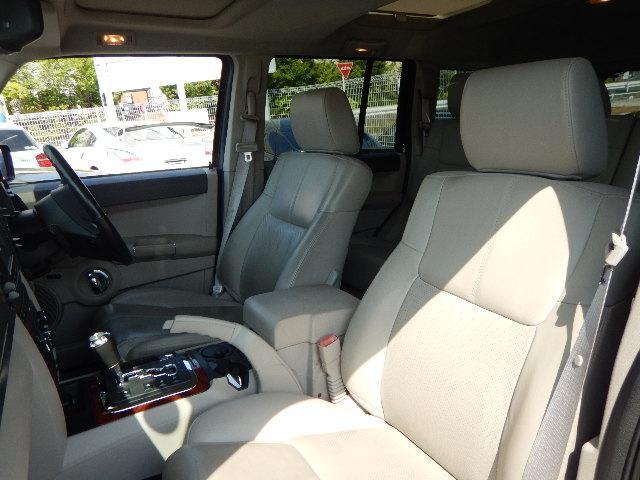 クライスラー・ジープ クライスラージープ コマンダー リミテッド4.7 正規ディーラー車 サンルーフ 灰本革シート