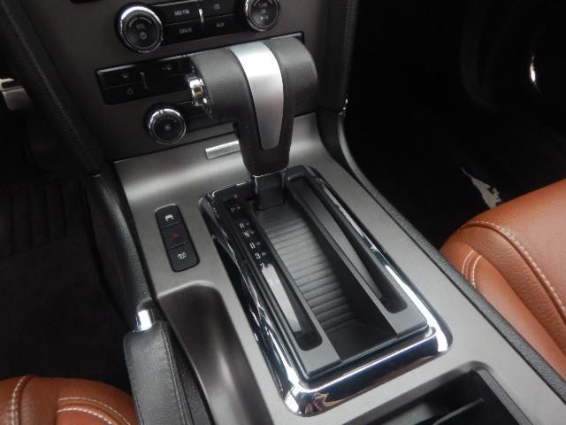 V8 GT プレミアム 禁煙車 本革シート 正規ディーラー車(14枚目)