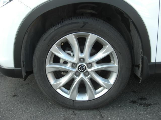 タイヤサイズは225/55R19です☆ マツダ純正19インチアルミホイール付です!