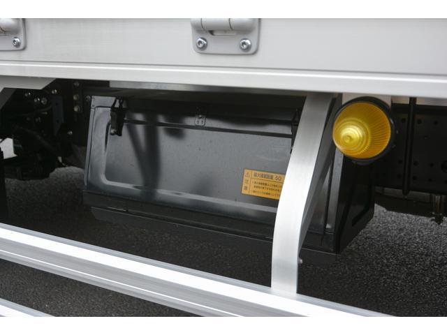 アルミウイング 積載2950kg ワイド 寝台 リアエアサス(10枚目)