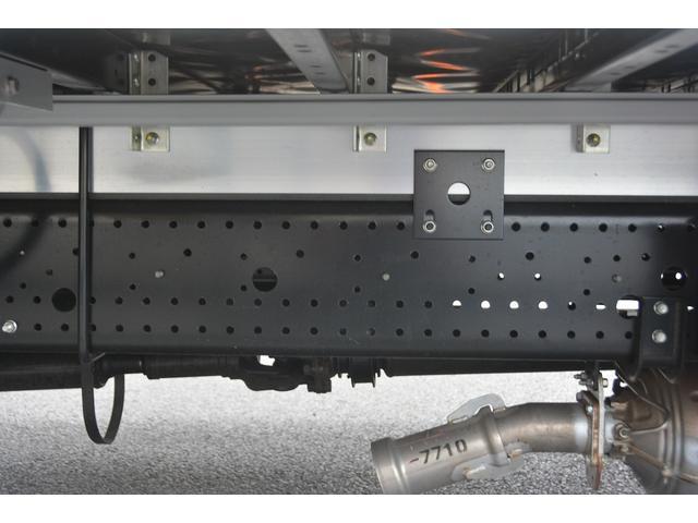 アルミウイング 積載2950kg ワイド 寝台 リアエアサス(20枚目)