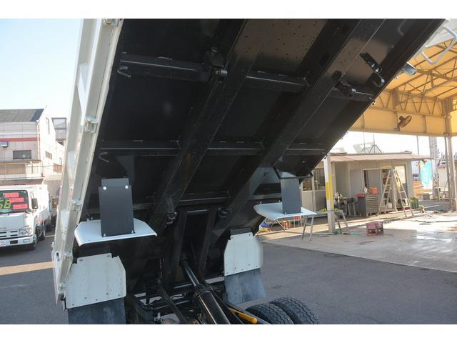 三菱ふそう キャンター 強化ダンプ フルフラットロー 積載3000kg 極東製