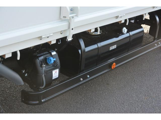 三菱ふそう キャンター 標準ロング 平ボディー 大型垂直リフト 積載3000kg