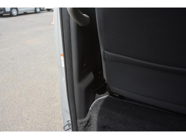 GL 14人乗 4ドア ナビ パワースライドドア 4型 ワンオーナー トヨタ純正ナビ(SD無し) ワンセグTV バックカメラ オートエアコン 取扱説明書 新車時保証書 スペアキー レベライザー ダブルエアバック ETC リクライニングモケットシート(14枚目)