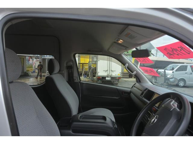 GL 14人乗 4ドア ナビ パワースライドドア 4型 ワンオーナー トヨタ純正ナビ(SD無し) ワンセグTV バックカメラ オートエアコン 取扱説明書 新車時保証書 スペアキー レベライザー ダブルエアバック ETC リクライニングモケットシート(27枚目)