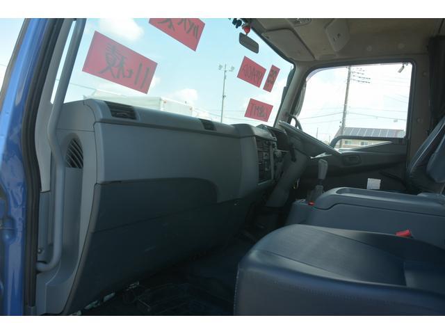 3軸 ベッド ミキサー車 カヤバ 8.9立米 電動ホッパ 6速MT 2デフ 水タンク キャブラダー 左電動格納ミラー フォグランプ ミラーヒーター 坂道発進補助 チョーク タコグラフ(23枚目)