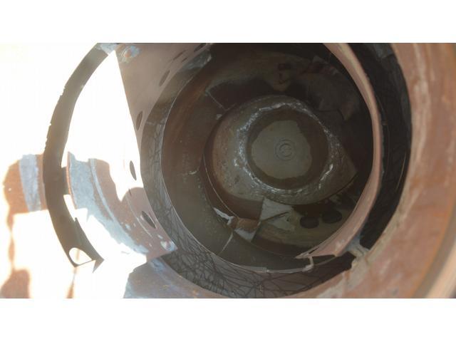 3軸 ベッド ミキサー車 カヤバ 8.9立米 電動ホッパ 6速MT 2デフ 水タンク 左電動格納ミラー キャブラダー フォグランプ ミラーヒーター 坂道発進補助 デフロック ETC チョーク タコグラフ アドブルー(24枚目)
