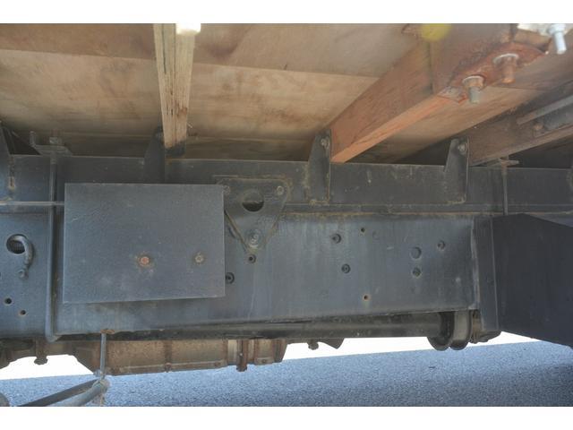 4トン 標準幅 4段クレーン ラジコン無し 2.75t積 積載2750kg 5.5m長 タダノ製 2.93t吊 フックイン 床板2重張り 床フック6対 坂道発進補助 オートエアコン(12枚目)