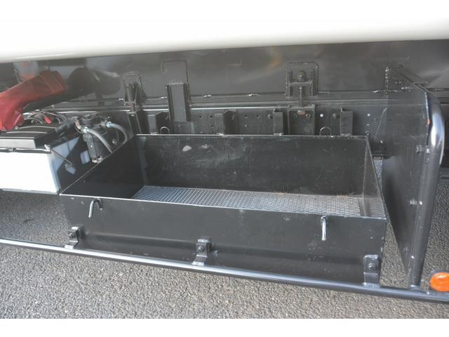ワイド パッカー車 プレス式 8.3立米 汚水タンク 防臭扉 極東製 積載2700kg 連続動作 バックカメラ ETC フォグランプ 網工具入れ(12枚目)