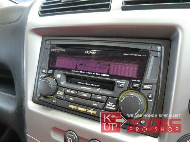 新車当時の純正オプションオーディオが装備されております。CD・MD機能を持ったオーディオですが、ディスプレイの表示不良がございますので最新モデルオーディオやナビへの交換をオススメ致します!
